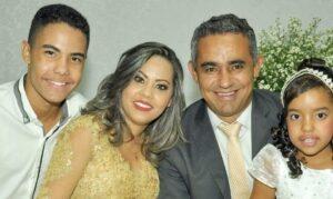 Uma homenagem do prefeito Cidim Aroeira em homenagem ao Dia dos Pais