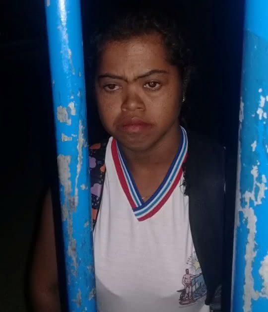 Resultado de imagem para Estudante com Síndrome de Down é deixada trancada em escola na Bahia